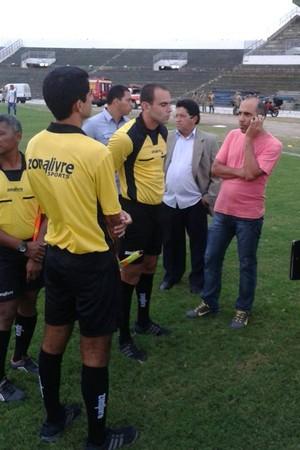 Sousa, Queimandense, atraso de médico, Campeonato Paraibano, Campina Grande, Paraíba (Foto: Jéfferson Emmanoel / GloboEsporte.com/pb)