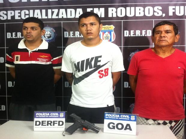 Suspeitos foram presos em locais deferentes de Manaus (Foto: Ísis Capistrano/ G1)