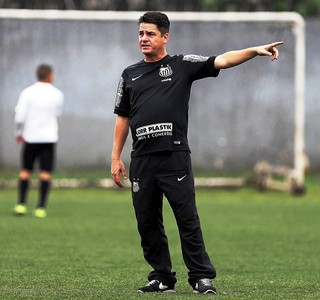Aarão Alves técnico do Santos sub-17 (Foto: Pedro Ernesto Guerra Azevedo/Santos FC)