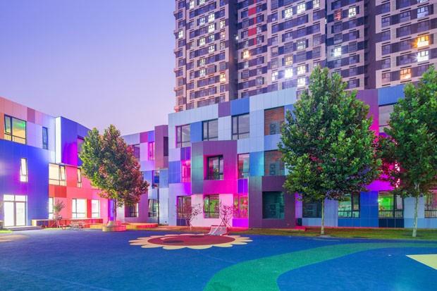 Escola em Pequim é um paraíso das cores (Foto: Divulgação )