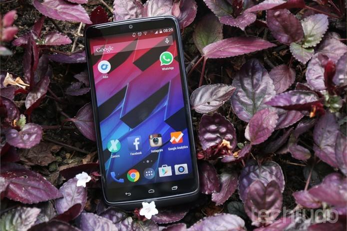 Moto Maxx  oferece uma tela de 5.2 polegadas com melhor qualidade QuadHD (Foto: Lucas Mendes/TechTudo)