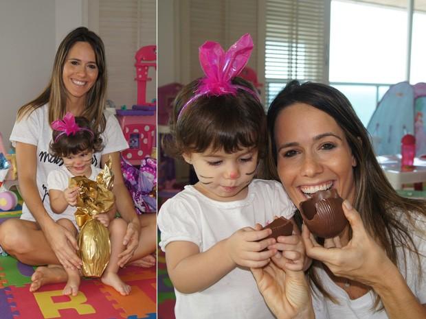 Fernanda Pontes fantasia a filha de coelhinha na Páscoa  (Foto: Flor do Caribe / TV Globo)