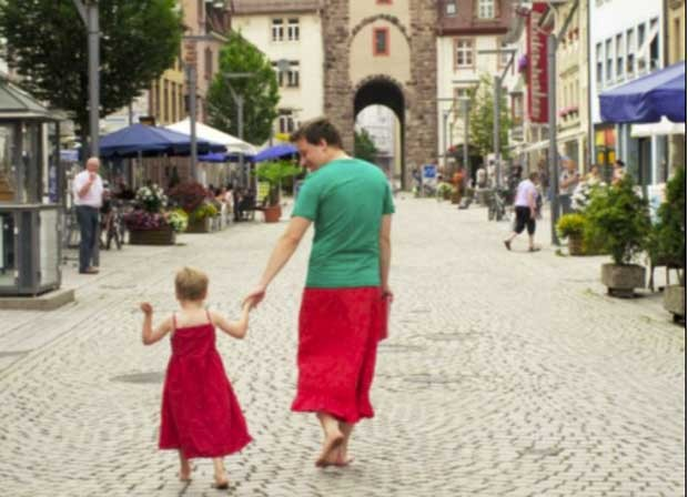 Nils Pickert e seu filho (Foto: Reprodução)