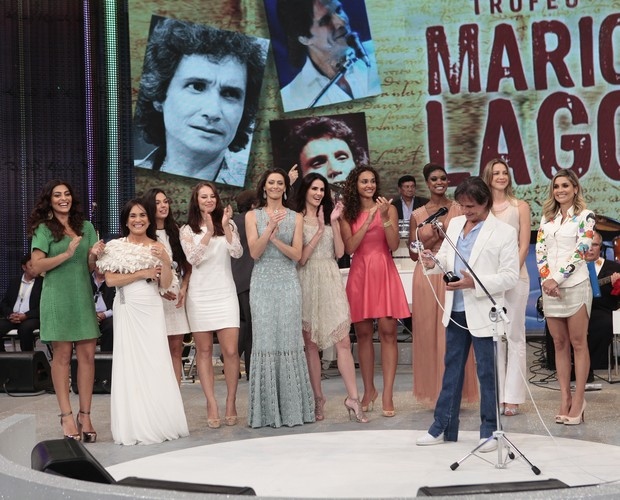 Pizza Mario Lago Roberto Carlos (Foto: Domingão do Faustão / TV Globo)