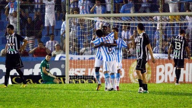 Marcelo Nicacio comemora, Paysandu x Figueirense (Foto: Thiago Gomes/Agência Estado)