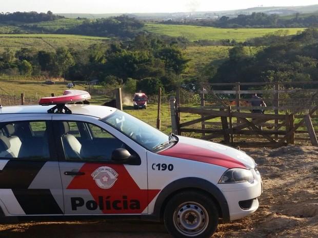 Bombeiros encontraram corpo do adolescente poucos minutos após afogamento em Capivari (Foto: Tonny Machado/Raízes FM)