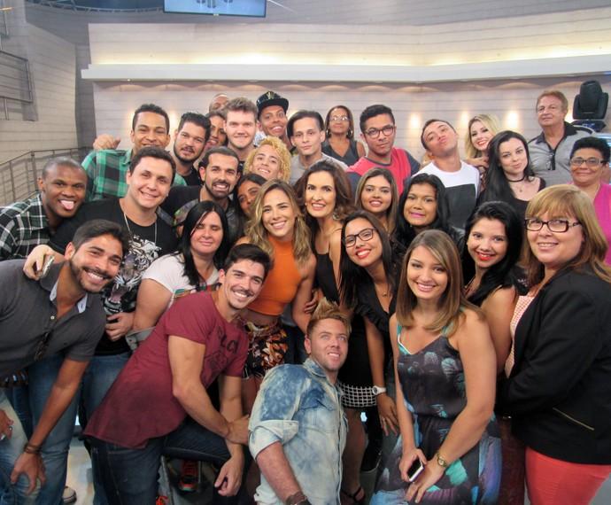 Wanessa, Fátima e plateia nos bastidores do programa  (Foto: Viviane Figueiredo Neto/Gshow)