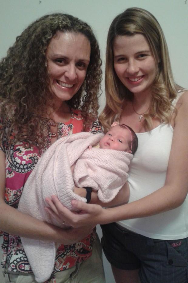 Debby Lagranha com a filha Maria Eduarda (Foto: Paula Massoni / Divulgação)