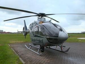 Helicóptero é usado na operação (Foto: Reprodução/ TV Gazeta)