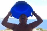 Galvão Bueno faz desafio do balde de gelo