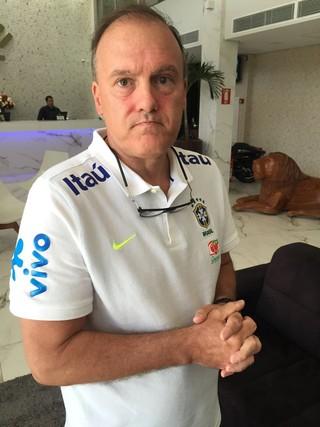 André Pedrinelli médico da seleção brasileira no hotel em Goiânia (Foto: Raphael Zarko/GloboEsporte.com)