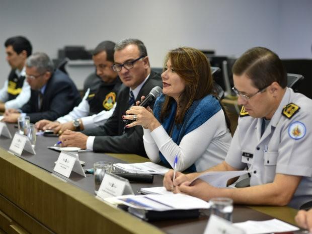 Secretária de Segurança Pública, Márcia de Alencar, e representantes das forças de segurança do DF em apresentação (Foto: Andre Borges/Agência Brasília)