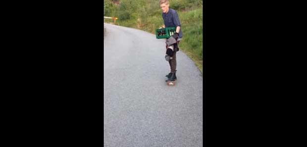 Norueguês tenta transportar caixas de cerveja em cima de um skate (Foto: Reprodução/YouTube/mrkarius)