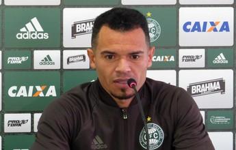Líder do grupo, Ceará alerta para erros fatais e confia em Coritiba no G-10