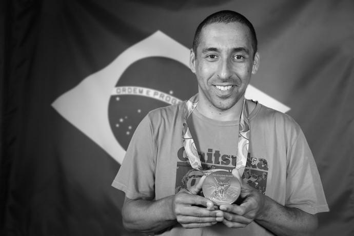 Serginho se despediu do vôlei com uma medalha de ouro na Rio 2016 (Foto: Carol Caminha/Gshow)