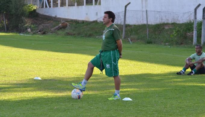 Técnico Gian Rodrigues promete colocar Caldense para frente contra o Ypiranga-RS (Foto: Filipe Martins)