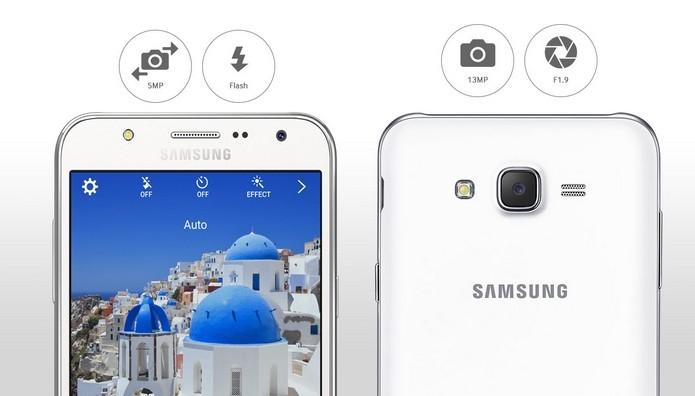 Galaxy J7 traz flash LED nas câmeras frontal e traseira (Foto: Divulgação/Samsung)