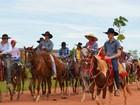 Dia das Mães é comemorado com cavalgada em distrito de Cacoal, RO