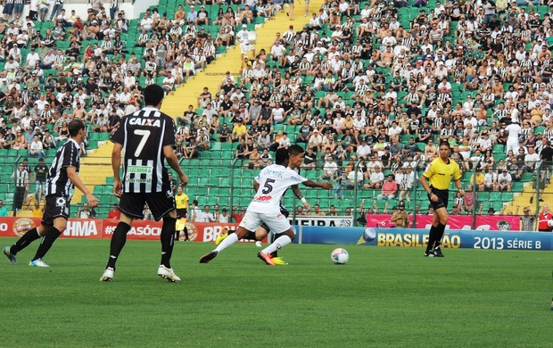 Figueirense x Joinville (Foto: Renan Koerich)