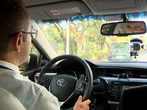 Motorista diz que uso do Uber em Campinas tem respaldo jurídico (Foto: Reprodução / EPTV)