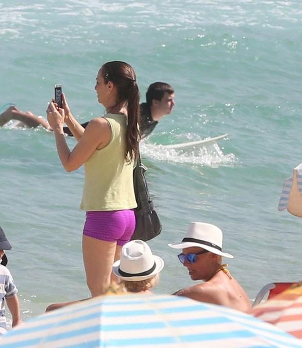 Maria Lucia fez fotos com o celular (Foto: AgNews)