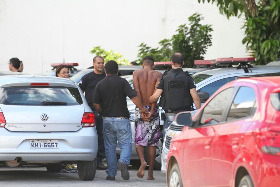 Líder da organização foi preso na manha desta terça-feira (18) (Foto: Marlon Costa/Pernambuco Press)