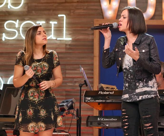 Brícia e Franciele cantaram Dark Horse (Foto: Isabella Pinheiro/Gshow)