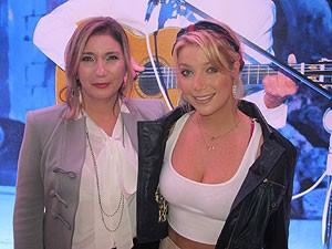 Mãe e filha, as cantoras Zizi e Luiza Possi estiveram no lançamento do CD e DVD 'Roberto Carlos em Jerusalém', em São Paulo (Foto: Cauê Muraro/G1)