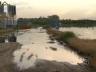 Chorume com substâncias tóxicas vaza na baía e em manguezal no RJ