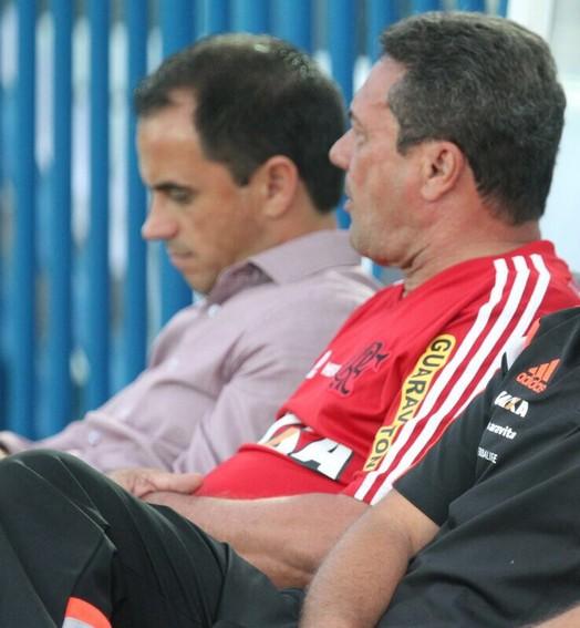 muita  calma... (Gilvan de Souza / Flamengo)