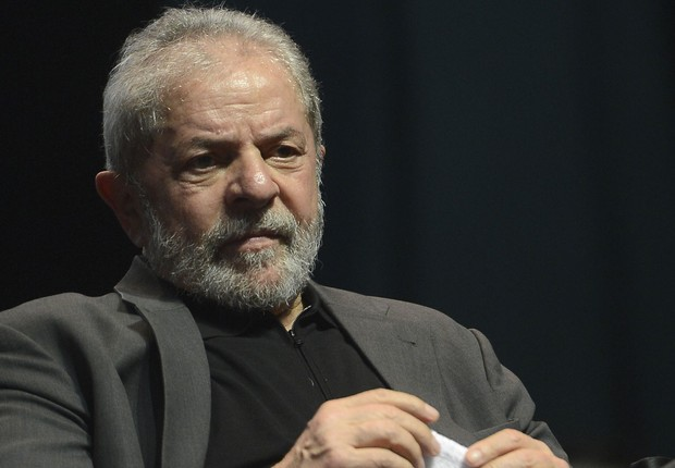 """O ex-presidente Luiz Inácio Lula da Silva participa do lançamento da campanha """"Se é público é para todos"""", no Rio (Foto: Fernando Frazão/Agência Brasil)"""