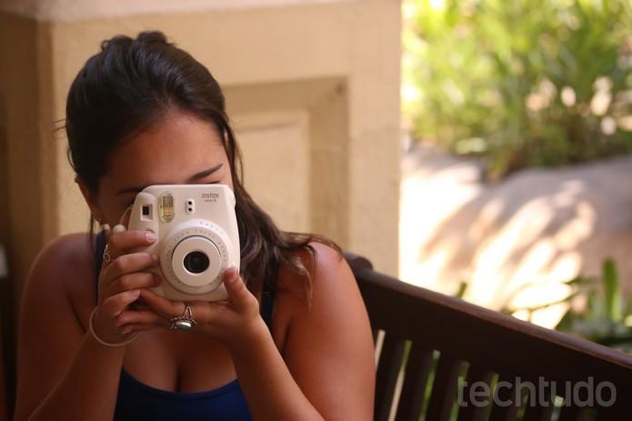 Confira se vale a pena comprar a câmera Instax Mini 8 (Foto  Luana Marfim f5d45b0853
