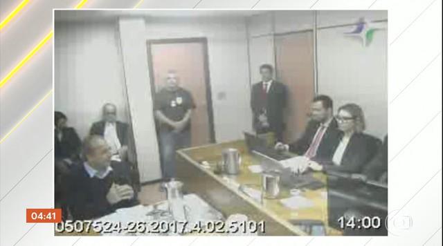 Sérgio Cabral diz que recebeu R$ 5 milhões do maior fornecedor de serviços do estado do RJ