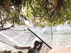Fiorella Mattheis posa no ritmo de férias : 'Sombra e água fresca!'
