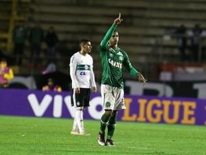 Bruno Rangel fez três gols contra o Coritiba e alcançou 22 pontos no Cartola FC (Foto: Geraldo Bubniak/AGB/Estadão Conteúdo)