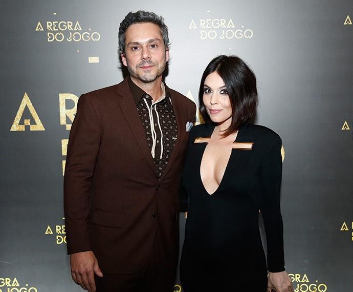 Karem e Nero durante o lançamento de A Regra do Jogo (Foto: Raphael Dias / TV Globo)