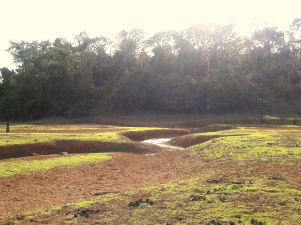 Medição no ponto mais fundo do reservatório marcou 75 centímentros nesta quarta-feira (7) (Foto: Divulgação/Depasa)