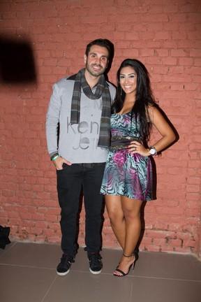 Ex-BBB Amanda e o namorado, Gustavo Bernardes, em show em São Paulo (Foto: Marcelo Brammer/ Divulgação)