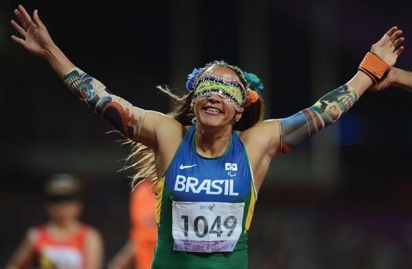 """A atleta brasileira Terezinha Guilhermina, considerada a mulher cega mais rápida do mundo pelo """"Guinness Book"""" (Foto: Getty Images)"""