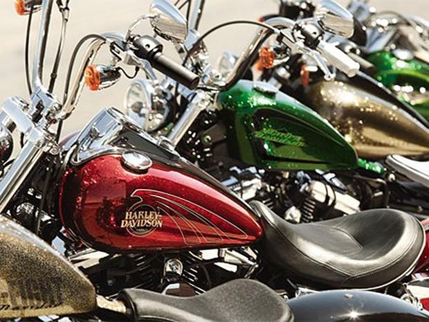 Harley-Davidson expande as opções de cores para suas motocicletas nos Estados Unidos. Chamado de 'Hardy Candy Custom', a pintura especial é considerada um 'movimento' pela empresa e tem inspiração em estilo criado na década de 1960. (Foto: Divulgação)