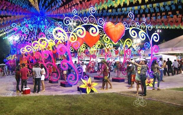 Primeira noite do evento reuniu diversas famílias (Foto: Bom Dia Amazônia)