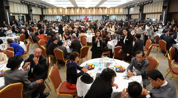 Reencontro uniu familiares das Coreias do Sul e do Norte após mais de 60 anos de separação (Foto: The Korea Press Photographers Association/AFP)