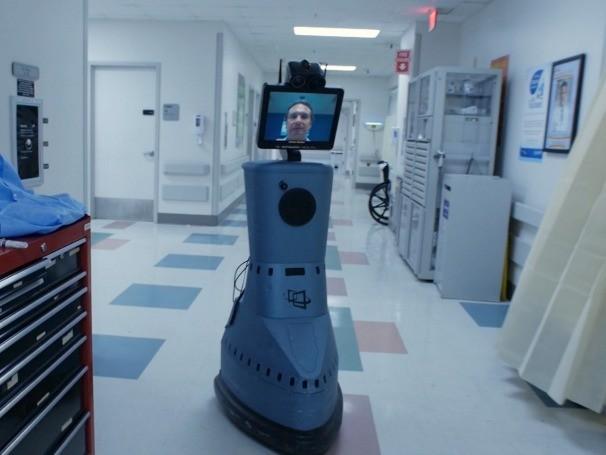 Os Estados Unidos também têm um robô em um hospital do Iraque, para ver o atendimento que é feito lá aos soldados americanos.  (Foto: Globo)