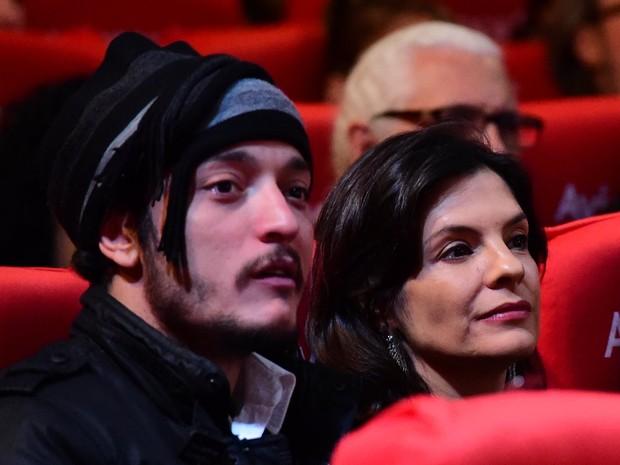 Helena Ranaldi e o namorado,Allan Souza Lima, no Festival de Cinema de Gramado (Foto: Alex Palarea/ Ag. News)