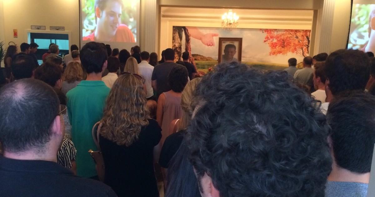 Com velório, família se despede de catarinense morto no México - Globo.com