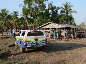 Idoso foi encontrado morto em sua propriedade rural (Foto: Comando 190 / Luiz Fernando)
