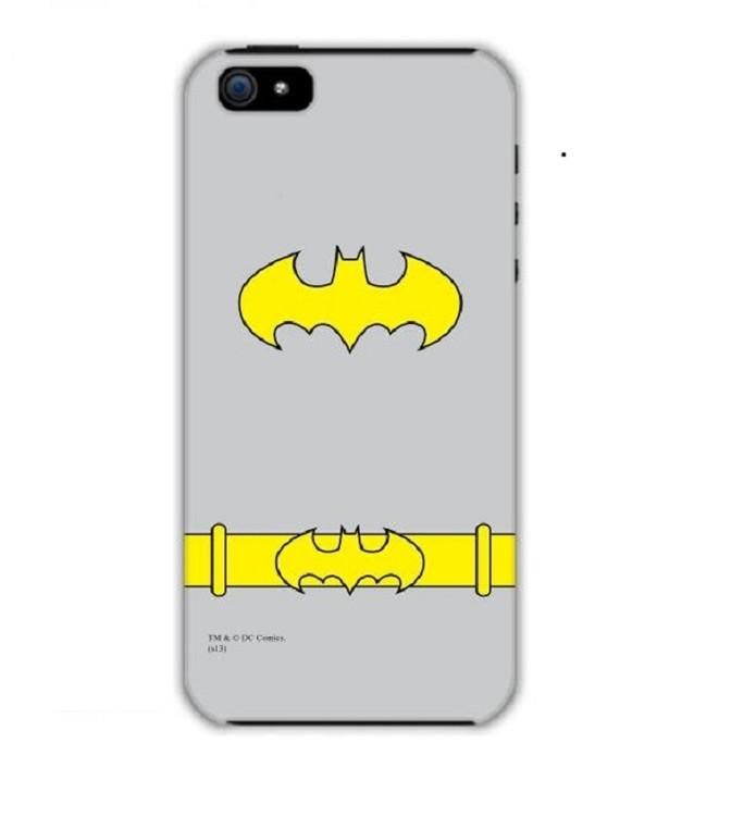 Case rígido vem com símbolo da escudeira do Batman (Foto: Divulgação)