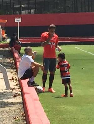 Guerrero durante treino do Flamengo no Ninho do Urubu (Foto: Gustavo Rotstein)