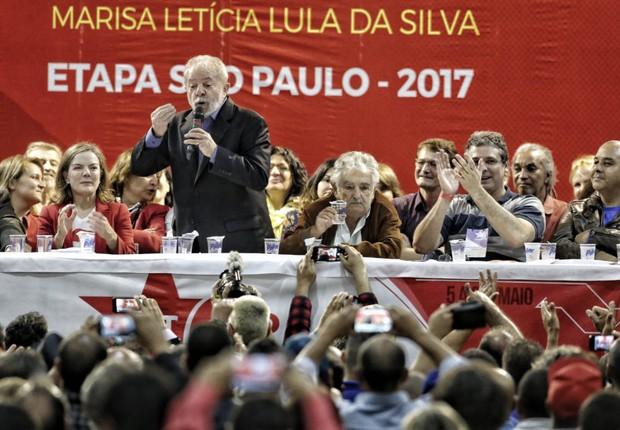 O ex-presidente Lula na abertura da etapa estadual São Paulo do 6º Congresso do PT, no sindicato dos Bancarios na rua Tabatinguera (Foto: Filipe Araujo)