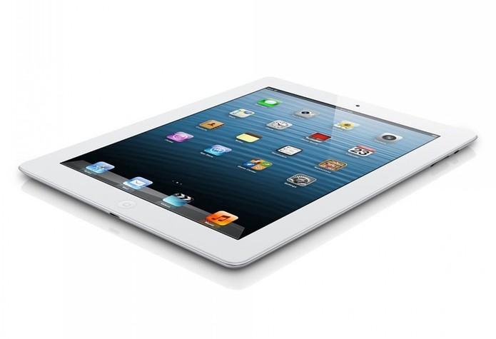 iPad 4 traz design mais antigo e robusto, além de apresentar preço mais baixo (Foto: Divulgação/Apple)